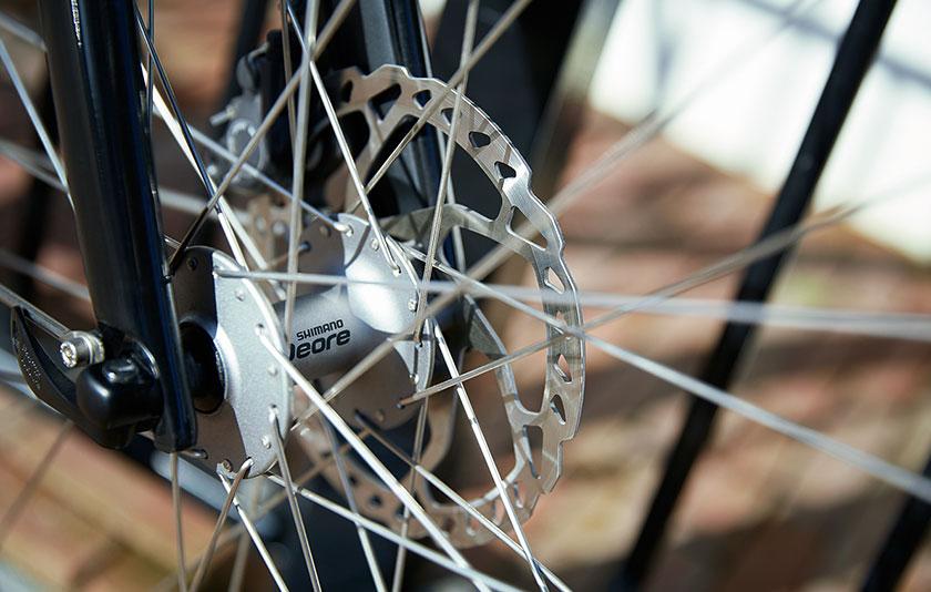 Sportiviteit en comfort gaan hand in hand bij de Gazelle Ultimate Trekking fietsen. Dit maakt van elke toertocht een aangename ervaring.